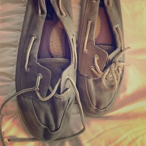 Gently worn sperry topsiders